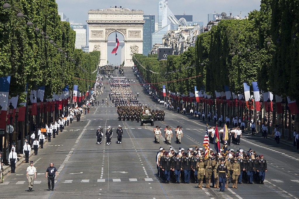 Parade - Défilé - Fête nationale - 14juillet - France - Armée - Symbole - Paris - Champs-Élysées - SchoolMouv - Histoire - CM2