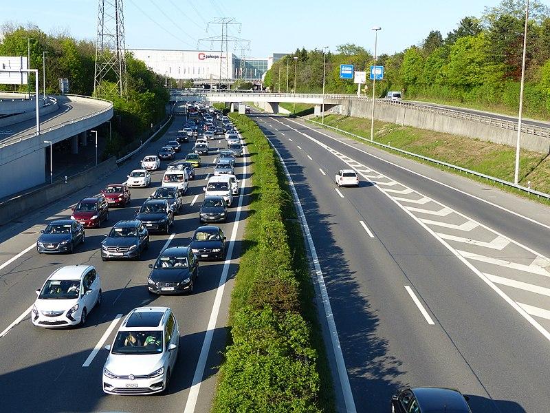Embouteillages - Voiture - Bouchon - Encombrement - Périphérique - SchoolMouv - Géographie - CM2