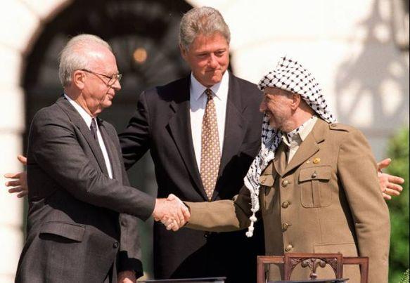 Accords d'Oslo - Poignée de main Rabin Arafat - Bill Clinton - 1973 - Histoire - Terminale - SchoolMouv
