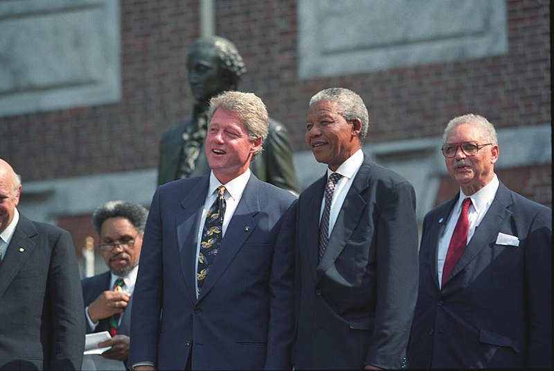 Bill Clinton - Nelson Mandela - Frederik de Klerk - Histoire - Terminale - SchoolMouv