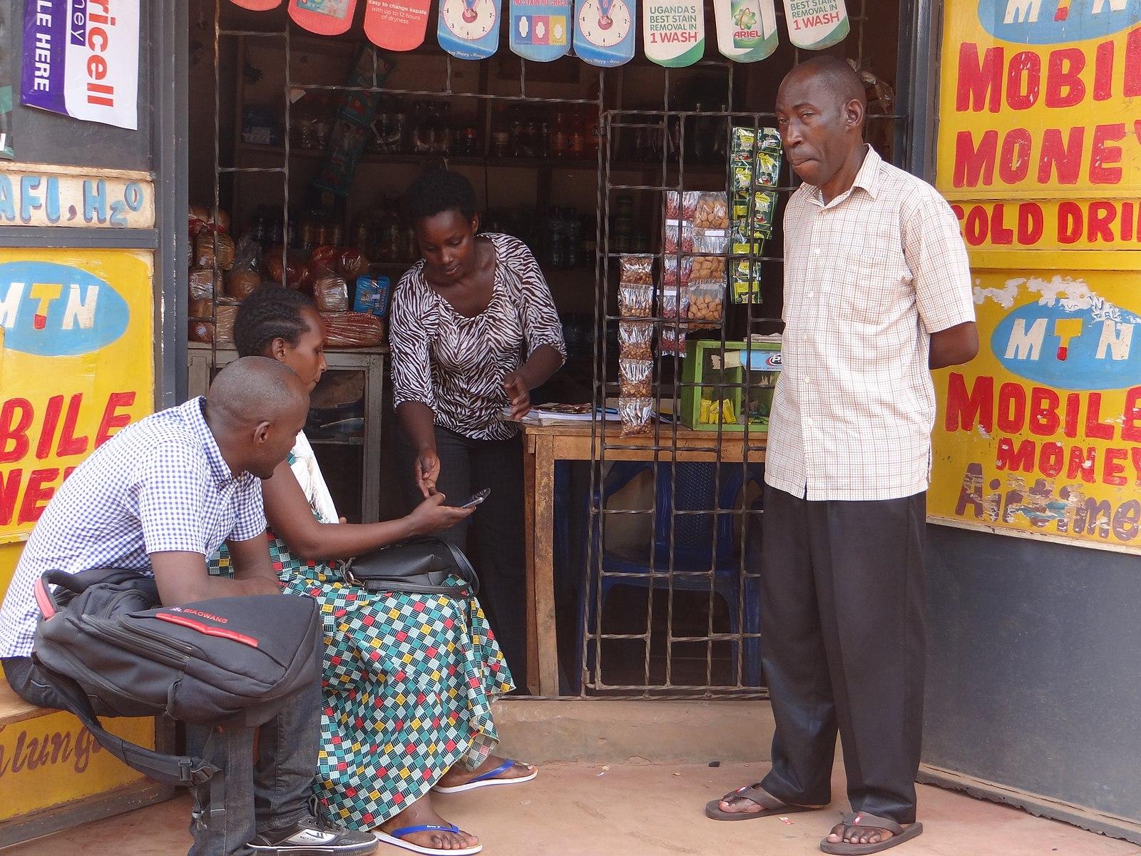 Épicerie et ses clients en Ouganda - SchoolMouv - Géographie - Terminale