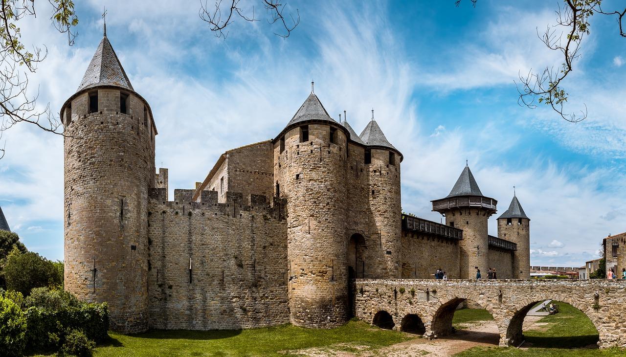 Cité médiévale de Carcassonne - Géographie - Terminale - SchoolMouv